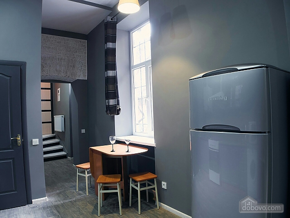 Стильний лофт на затишній вулиці, 2-кімнатна (76425), 011