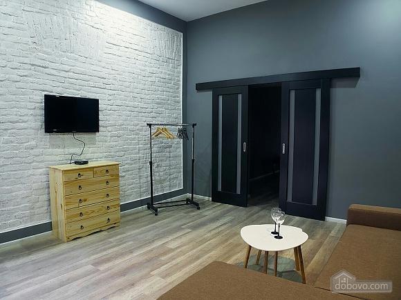 Стильний лофт на затишній вулиці, 2-кімнатна (76425), 007