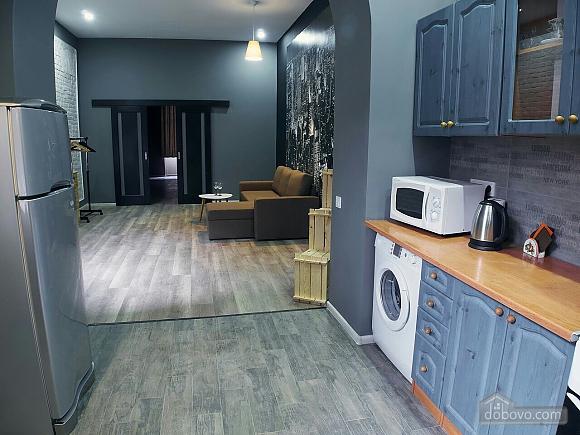 Стильний лофт на затишній вулиці, 2-кімнатна (76425), 012