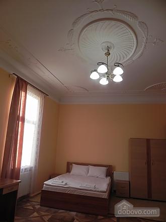 Квартира біля Оперного театру, 2-кімнатна (81182), 005