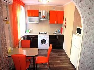 Яркая квартира в самом центре города, 1-комнатная, 001