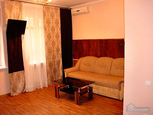 Cozy and homelike apartment in Kharkiv, One Bedroom (63805), 002