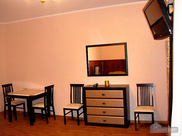 Cozy and homelike apartment in Kharkiv, One Bedroom (63805), 003