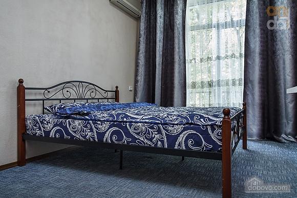 Люкс апартаменты в самом центре Запорожья, 2х-комнатная (91891), 002