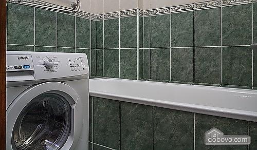 Люкс апартаменты в самом центре Запорожья, 2х-комнатная (91891), 040