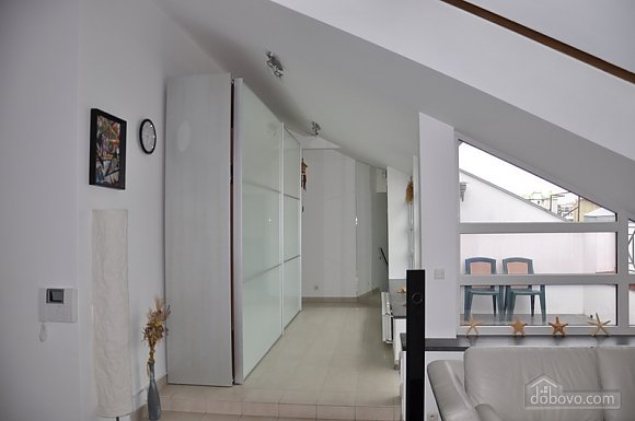 Apartment with a unique design and nice view in the heart of the city, Due Camere (66541), 003