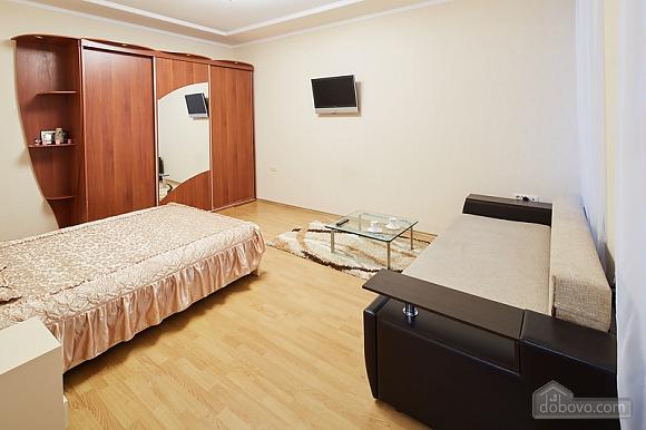 Просторная и светлая квартира, 1-комнатная (10429), 003
