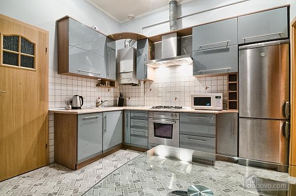 Design renovation, Due Camere (81142), 007