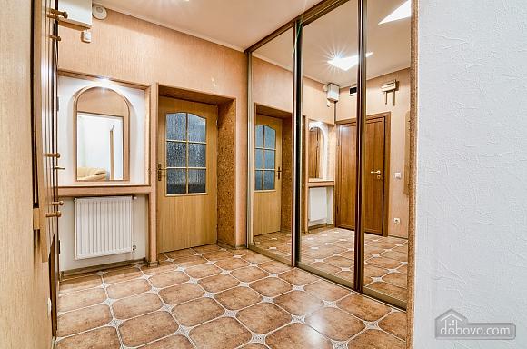 Design renovation, Due Camere (81142), 011