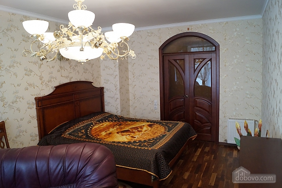 Apartment in Odessa on Lanzherone, Due Camere (73885), 002