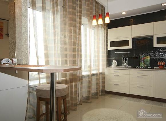 Квартира в центре Харькова, 4х-комнатная (81552), 002