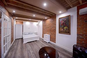 Квартира з дизайнерським ремонтом, 1-кімнатна, 001