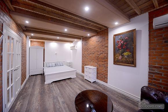 Apartment with designer renovation, Studio (43580), 001