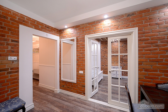 Apartment with designer renovation, Studio (43580), 005