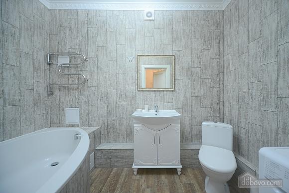 Apartment with designer renovation, Studio (43580), 010