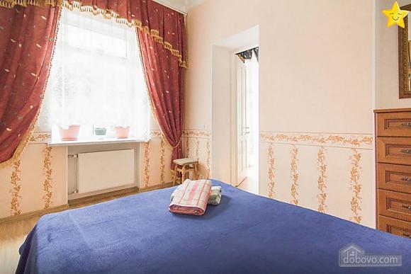 Квартира в историческом центре, 2х-комнатная (14425), 004