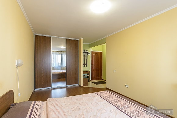 Apartment with a big bed, Studio (23049), 003