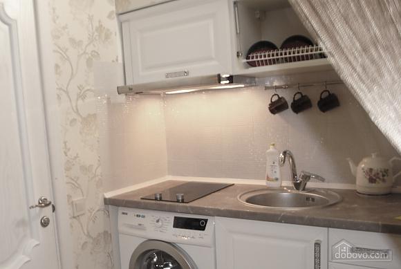 Apartment in the city center, Studio (80967), 002