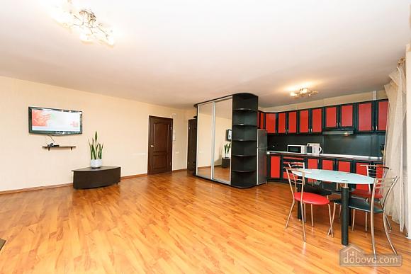 У центрі міста біля бізнес центру Парус, 2-кімнатна (28509), 012