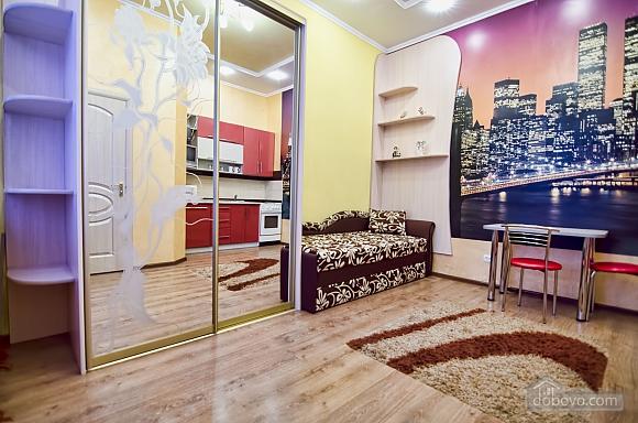 Квартира біля Оперного театру, 1-кімнатна (94519), 001