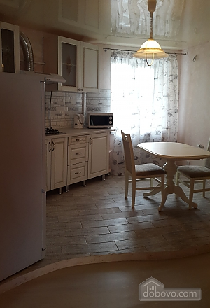 Apartment on the corner of Radyanska street and Lenina avenue, Un chambre (92960), 005