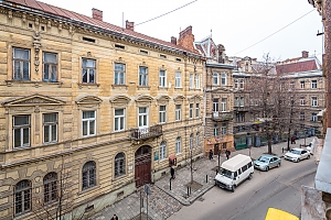Near to Opera theatre and Rynok square, Due Camere, 013