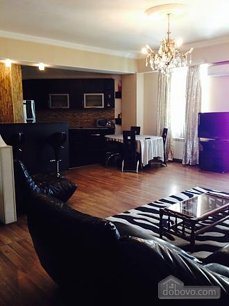 Luxury apt, Three Bedroom (23872), 002