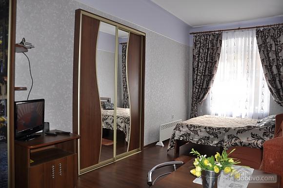 Small apartment next to Rynok square, Studio (82198), 003