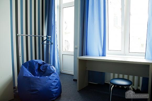 Общая 4-х местная комната в ЗигЗаг хостеле, 1-комнатная (74932), 002