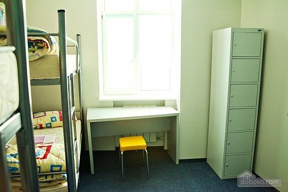 6 bed female suite in ZigZag hostel, Monolocale (16309), 002