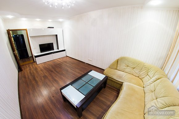 New spacious apartment near the center near subway, Zweizimmerwohnung (76078), 005