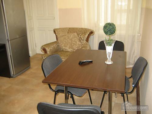 6 bed apartment, Two Bedroom (76434), 009