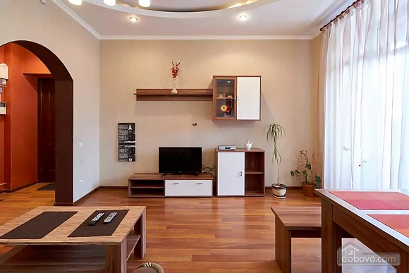 Шикарная квартира на Липках, 2х-комнатная (40871), 002