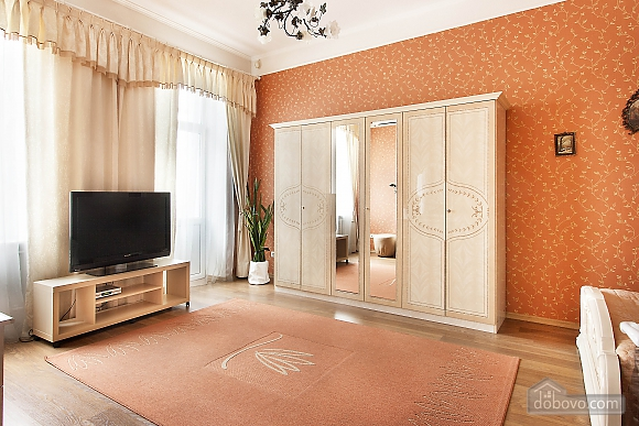 Golden suite in front of Arena City, Un chambre (19567), 003