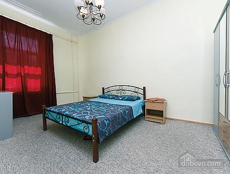 Квартира возле пл. Славы, 2х-комнатная (48648), 001