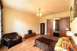 Затишна квартира в тихому районі недалеко від центру, 1-кімнатна, 003