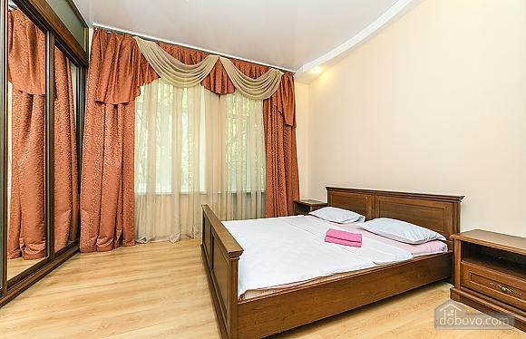 Квартира в центрі, 3-кімнатна (59853), 001