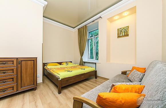 Квартира в центрі, 3-кімнатна (59853), 003