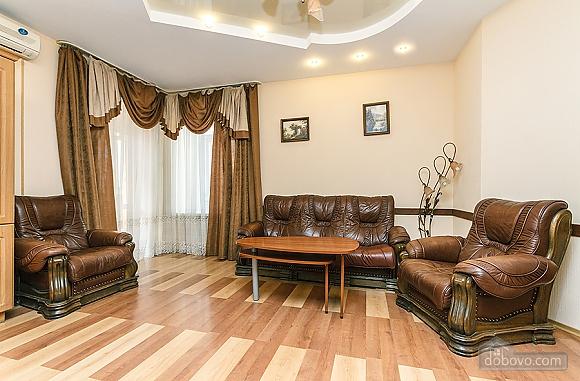 Квартира в центрі, 3-кімнатна (59853), 005