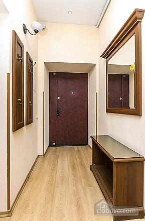 Квартира в центрі, 3-кімнатна (59853), 010