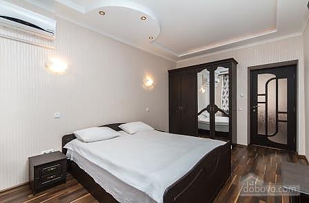 Квартира недалеко от Крещатика, 3х-комнатная (27825), 003