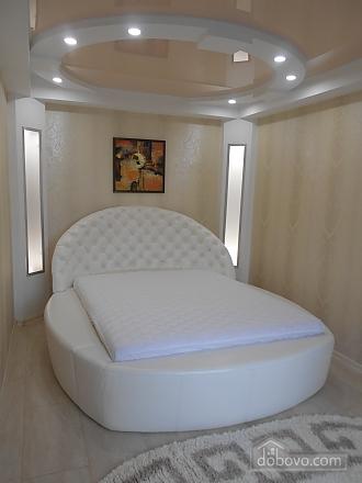 Шикарная квартира VIP в центре, 2х-комнатная (58572), 004