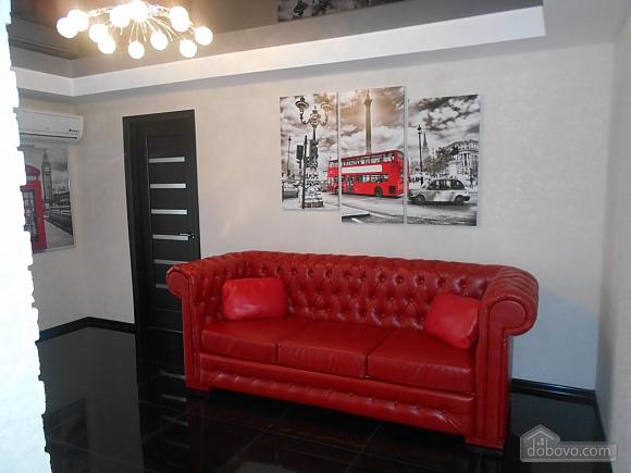 Шикарная квартира VIP в центре, 2х-комнатная (58572), 013