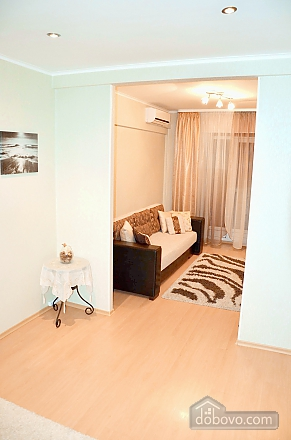 Apartment with two bedrooms in the center of Minsk, One Bedroom (91390), 003
