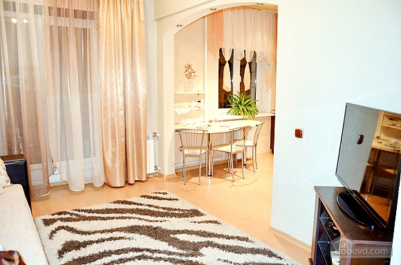 Apartment with two bedrooms in the center of Minsk, One Bedroom (91390), 005