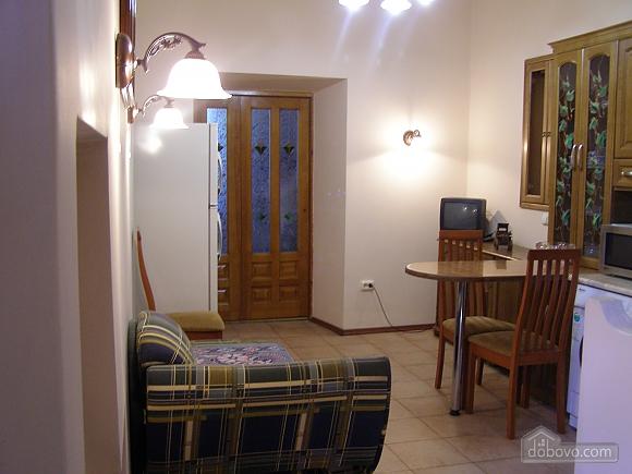 Apartment near Puppet Theatre, Studio (95071), 003
