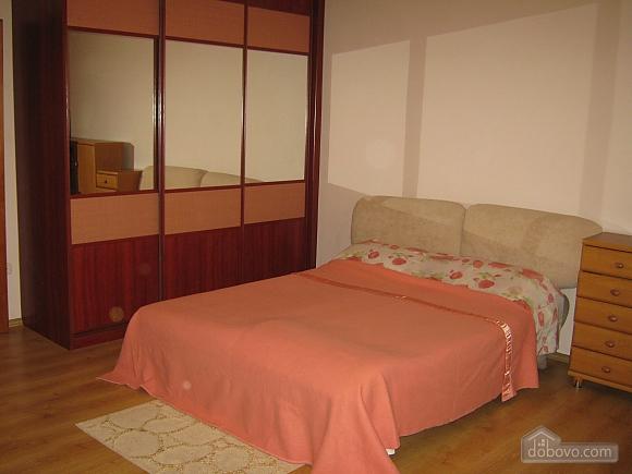 Apartment near Puppet Theatre, Studio (95071), 001