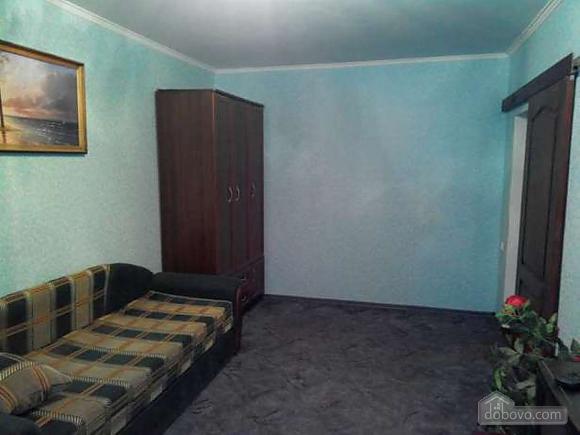 Good renovation and 6 sleeps, One Bedroom (17006), 001