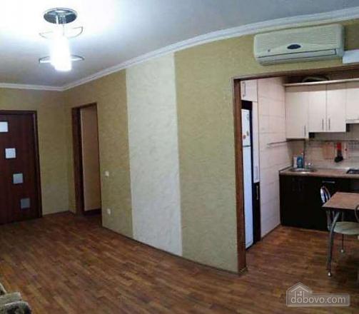 Квартира возле МакДональдс, 2х-комнатная (42221), 003