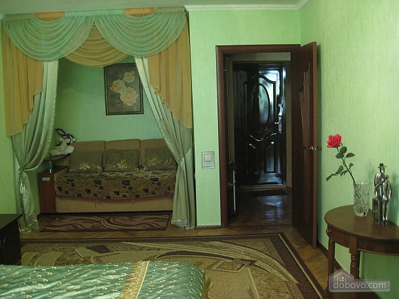 Apartment near  Levoberezhna station, Monolocale (99181), 003